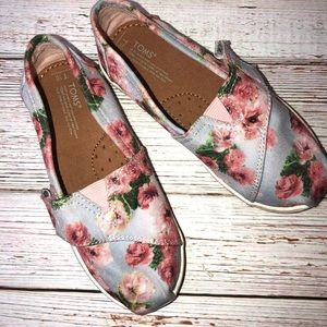 TOMS Floral print toddlers shoes.